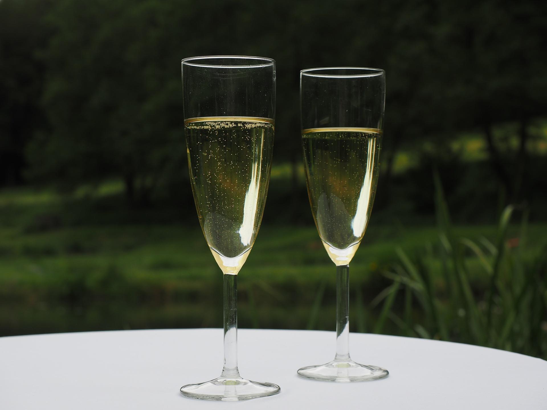 champagne-590767_1920